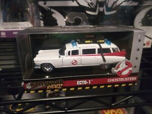 Simba 253232000 Ghostbuster ECTO-1 1:32