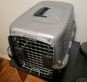 Petmate Cat / Small Dog Pet Carrier 40131