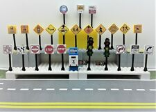 Lego City/TOWN/VILLAGE/STREET 25 Play road signs POST BOX TRAFFIC LIGHTS