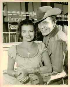 """TV WESTERN B&W EPISODE PHOTOS - """"TOMBSTONE TERRITORY"""" Pat Conway Richard Eastham"""