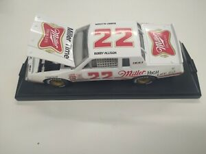 Bobby Allison 1995 Action 1:24 Die Cast Winston Cup 22 Miller Buick 1 of 5004