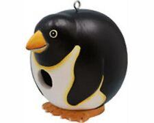 Songbird Essentials Albesia Wood Penguin Gord-O Bird House Se3880082