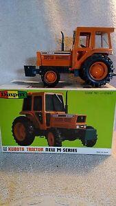 1984 Diapet Yonezawa 1:20 Die-cast Kubota M 79500T Tractor Doors and Hood open