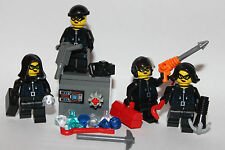 original LEGO parts - BANK ROBBERY IN PROGRESS - 4 girls crew + accessories