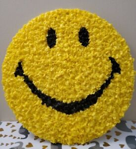 """Vintage 13.5"""" Melted Popcorn Plastic Smiley Face Retro Decor Window Wall Hanging"""