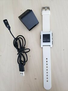 ☞ Pebble White Face / Band Smartwatch  Model 301WH Working Good