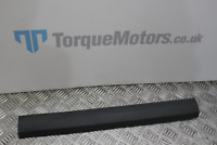 Ford Focus ST MK2 5DR Drivers side front plastic door sill trim