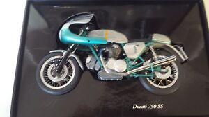 Ducati 750ss.   Minichamps 1/12 Diecast