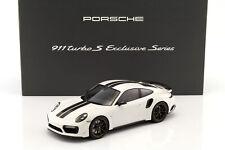 Porsche 911 (991) Turbo S Exclusive Series weiß, schwarz mit Vitrine 1:18 Spark
