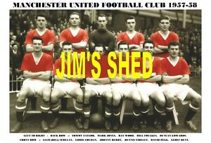 MANCHESTER UNITED F.C. TEAM PRINTS X 50 (1909-1986)