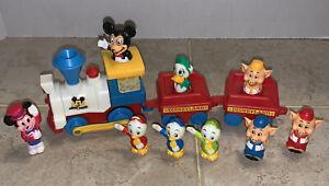 Vintage DISNEYLAND PLAYMATES TRAIN SET W/FIGURES Disney Engine/2 Cars/9 Figures