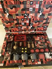 New In Box Fao Schwarz Ultimate Magic 28 pcs Set with 300 Tricks