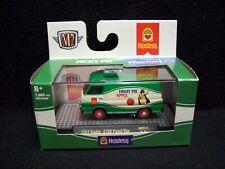 M2 Machines Hostess Fruit Pie Apple 1964 Dodge A100 Delivery Van.
