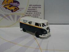 """Brekina 32666 # VW T1B Kasten Baujahr 1967 """" Racing Tyres """" in blau-weiß 1:87"""