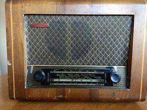 Retro 1950's / 1960's Pye Valve Wireless. (Radio)