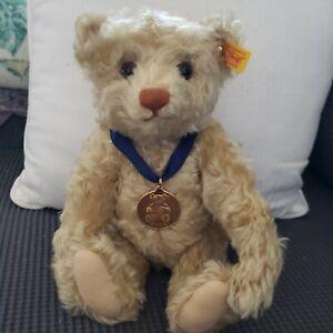 """STEIFF Teddy Bear 2004 Danbury Mint 667305 Mohair  12"""" always under glass"""