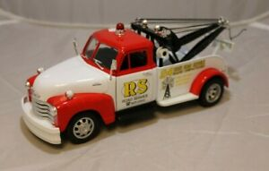 Welly 1/24 1953 Chevy Tow Truck - Red and White - Paint Damage