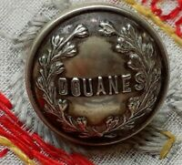 Vintage antique unusual french  livery button 13mm approx