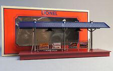 LIONEL LIGHTED TRAIN PASSENGER STATION PLATFORM O GAUGE freight lit 6-83444 NEW