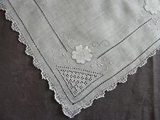 mouchoir ancien batiste lin brode main decor fleur jours  point ombre cilaos