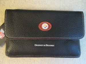 Dooney & Bourke NFL Pittsburgh Steelers Wristlet New with tags