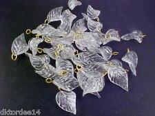 VTG 24 CLEAR GLASS CURVY VEINED LEAVES PRESSED BEAD #030611u