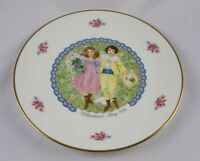 """1976 ROYAL DOULTON- VALENTINE'S DAY plate-""""Victorian Boy & Girl""""- 1st ed -NEW!"""