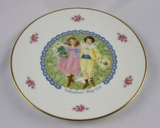"1976 Royal Doulton- Valentine'S Day plate-""Victorian Boy & Girl""- 1st ed -New!"