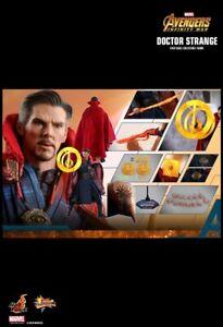 Hot Toys MMS 484 Avengers: Infinity War Doctor Strange USED