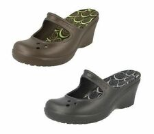 Sandali e scarpe Crocs nero in gomma per il mare da donna