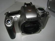 Nikon F55 35mm Fotocamera SLR Film Solo Corpo