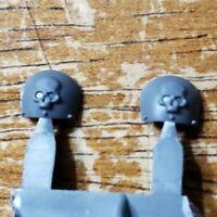 Warhammer 40k IG Astra Militarum Bits: Chimera Commander Skull Shoulder Pads