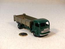 Atlas copie Dinky Toys 33B Simca Cargo Benne Basculante