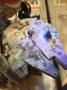 STAR WARS  original MILLENIUM FALCON Tonka Kenner Krogers rare  D: 53x35x15 cm.