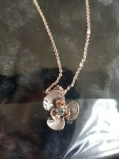Ikita necklace Brand New Flower Pendant