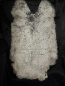 Kaninchenfell  Fell weiss / grau Maße ca. 60 x 34 cm s. Fotos