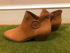 New NWOB Jack Rogers Leather Peyton Ankle Boots Bootie, Oak, 9 M, Zipper