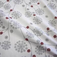 Stoff Meterware Baumwolle Blume weiß grau silber Eisblume Schweden Eiskristall