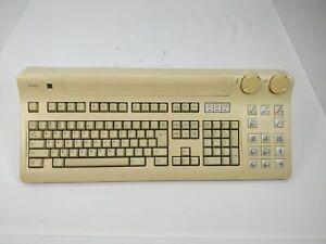Toshiba N860-8533-T002 S/N R2000779t Keyboard