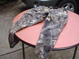 Mossy Oak Nylon Pants Zip to Shorts Size XL 36-44 W, 30 Ins