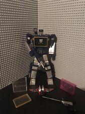 Soundwave MP-13 Transformers Masterpiece Destron Communications