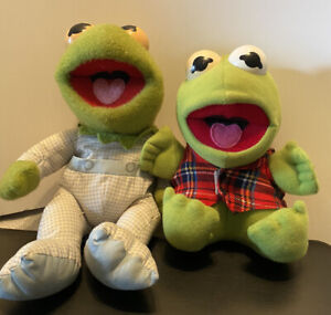 """Two Vintage Baby Kermit the Frog 7"""" muppets Sesame Street 1987 And 1984."""