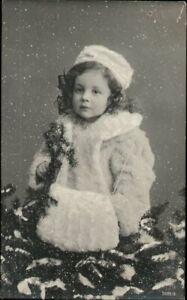 AK Kinder, Foto,  Mädchen Schnee Muff, Kleinformat