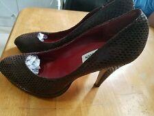 """New Steve Madden Bogarrt """" Snake"""" Leather Platform Pumps Heels Shoes Size 9.5"""