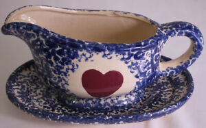 """GRAVY BOAT SET BLUE HEART COUNTRY KITCHEN 8"""" X 3"""" ACROSS 4"""" HIGH WITH PLATE"""