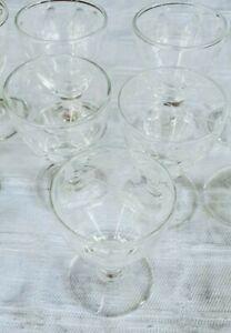 Servizio 11 Bicchieri antichi in vetro soffiato a mano lavorato