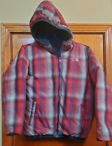 The North Face Boys Mount Chimborazo Reversible coat. Large