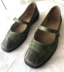 Homy Ped Size 9 Leather Mary Jane Style Shoes. Forest Green.