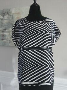 Anthropologie C Keer Top Blouse Shirt Sz S Black White Print