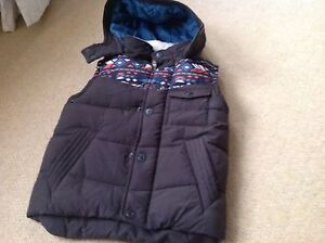 New With Tags Boys Brown Hooded Gilet Jacket In Size 6 Years By Next
